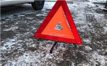 В Северном из-за коммунальной аварии затопило дорогу