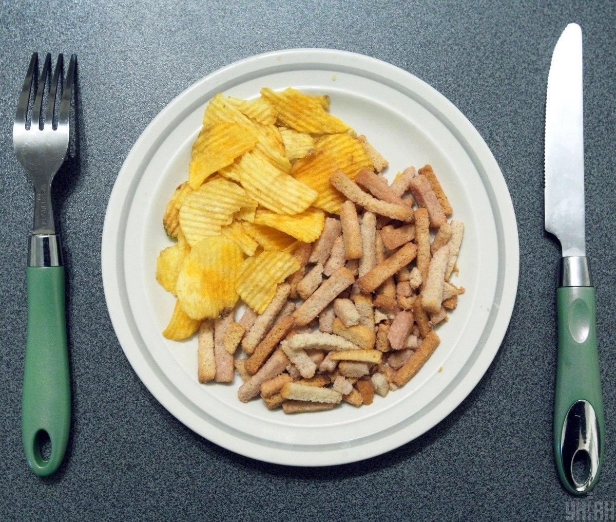 Названы привычные продукты, постепенно отравляющие организм