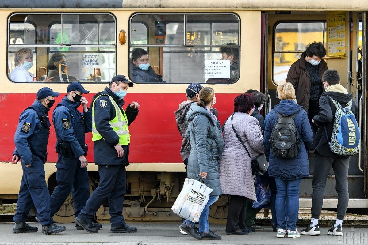 В полиции уточнили, при каких условиях будут штрафовать за неношение масок