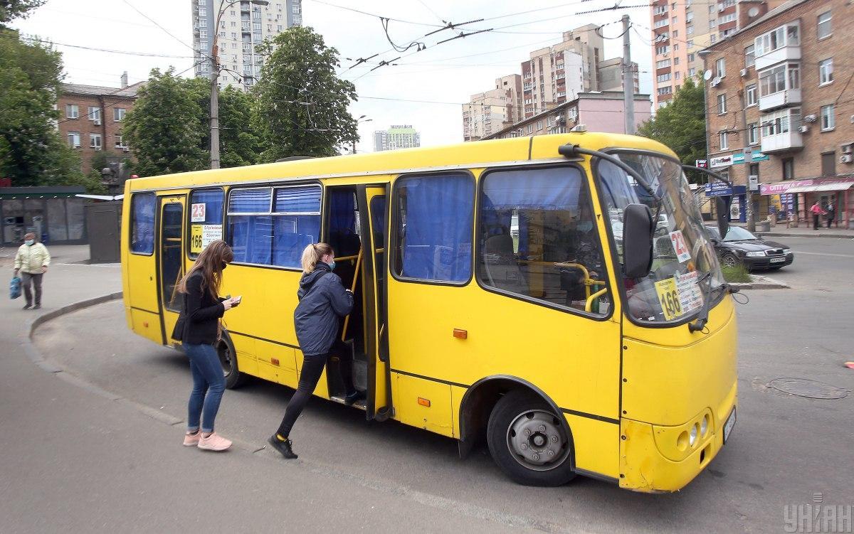 Кличко рассказал, сколько водителей киевских маршруток оштрафовали в июне за нарушение карантина
