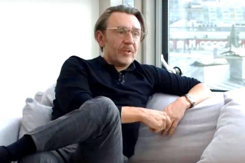 На Шнурова и «ВКонтакте» подали в суд из-за песни о Петербурге