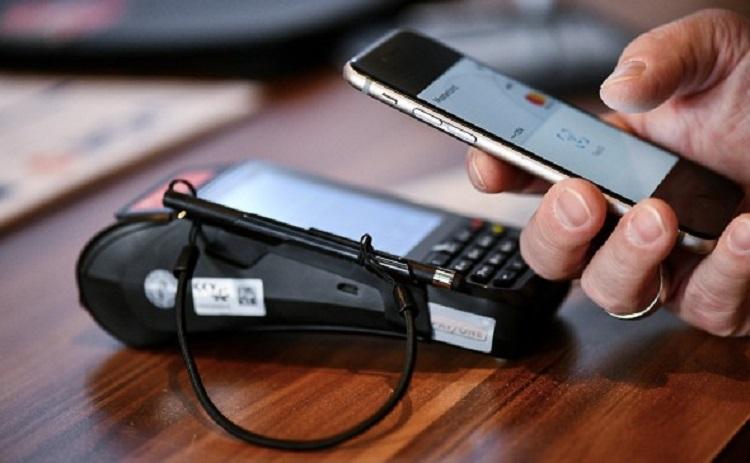 Российские банки обеспечили подключение карт «Мир» к Apple Pay