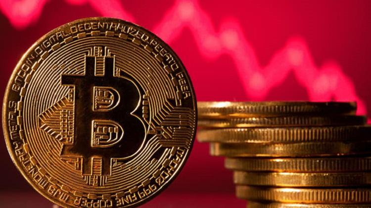 Впервые за месяц биткоин упал в цене ниже $30 000