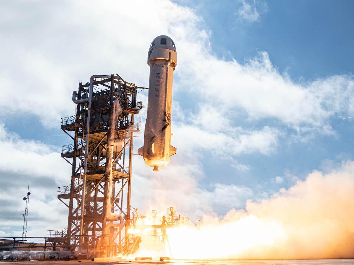 Безос похвастался, что Blue Origin продала билеты в космос почти на $100 млн