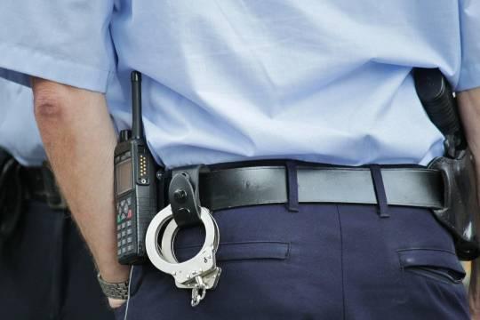 Напавшего на подростка у лифта задержала полиция