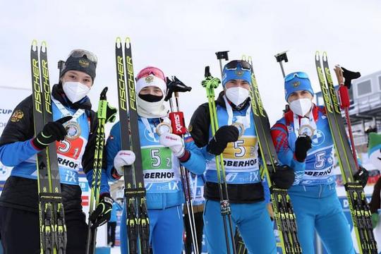 Российские биатлонисты прервали безмедальную серию из 43 гонок, выиграв эстафету