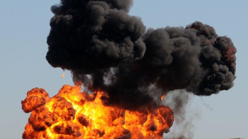 Автоцистерна с горючим взорвалась на Тюменском тракте — огненное видео