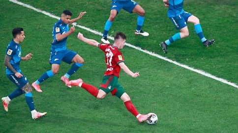 «Зенит» разгромил «Локомотив» и выиграл чемпионат России по футболу