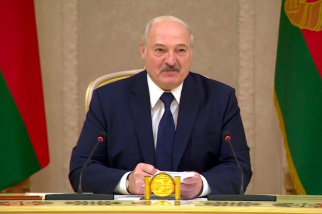 Лукашенко подписал указ о лишении званий более 80 бывших силовиков