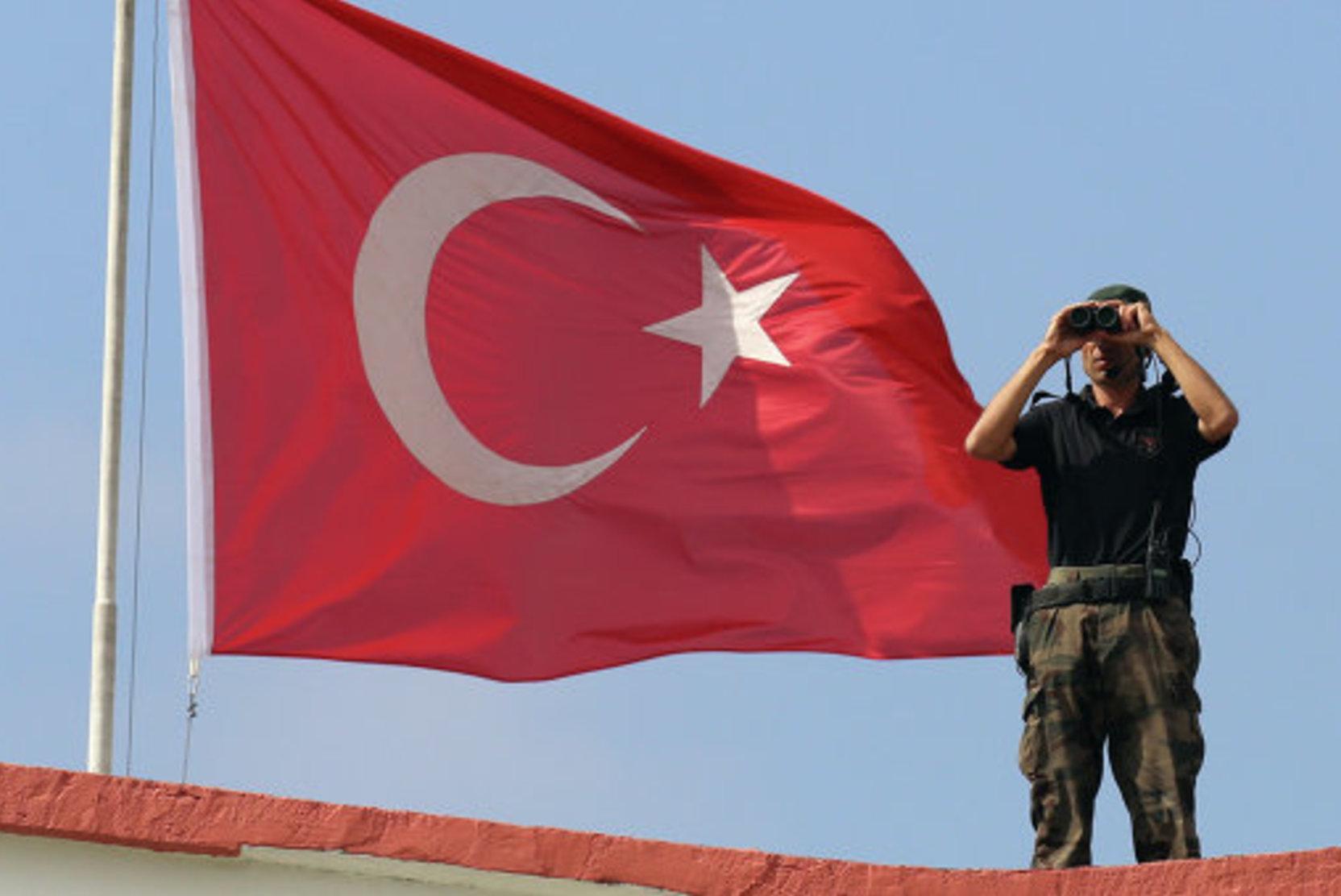 Новости за ночь: Семь человек погибли при крушении самолёта-разведчика в Турции