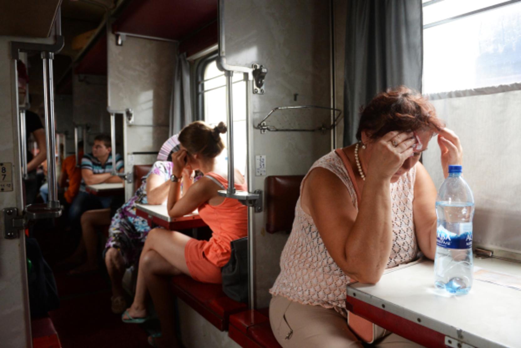 Новости за ночь: В России предложили запретить алкоголь в вагонах-ресторанах