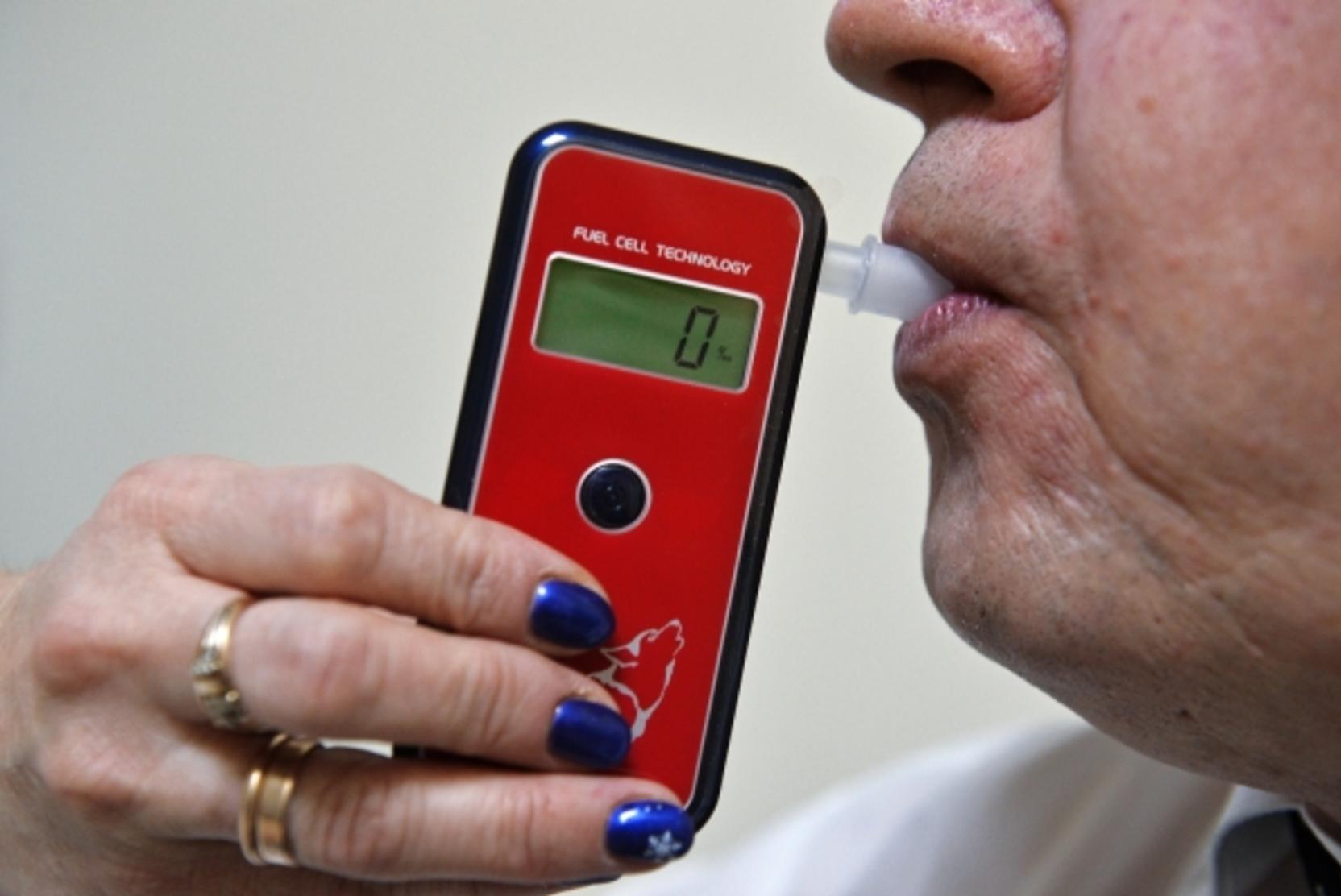 Новости за ночь: Минздрав подготовит изменения в медосмотре водителей до конца года