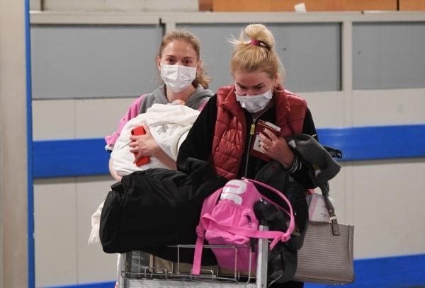 Новости за ночь: Власти отказались от шахматной рассадки авиапассажиров
