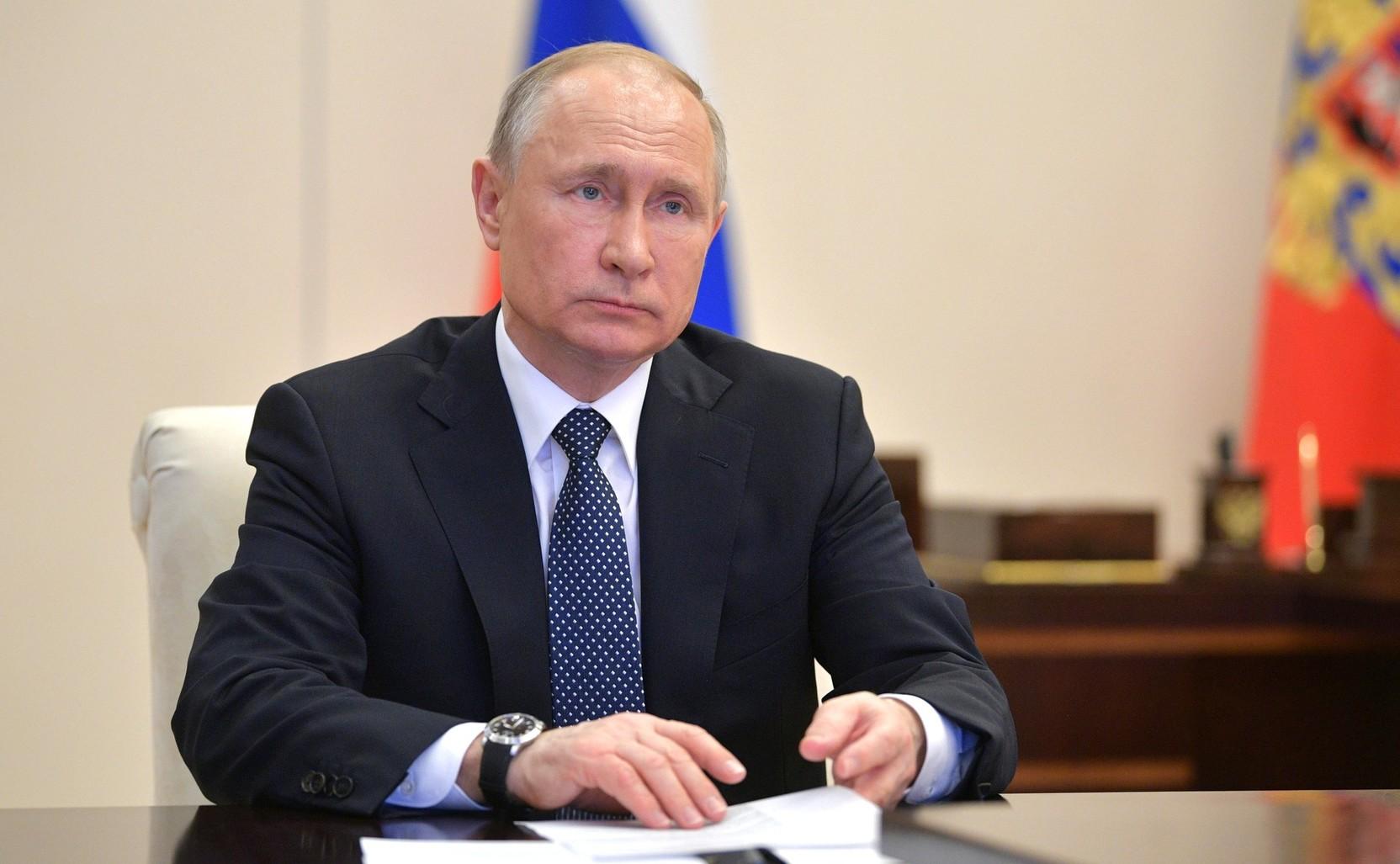 Новости за ночь: Путин рассказал о противниках выплат населению