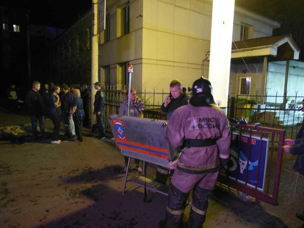 Новости за ночь: Четыре человека погибли при пожаре в наркологической клинике в Красноярске