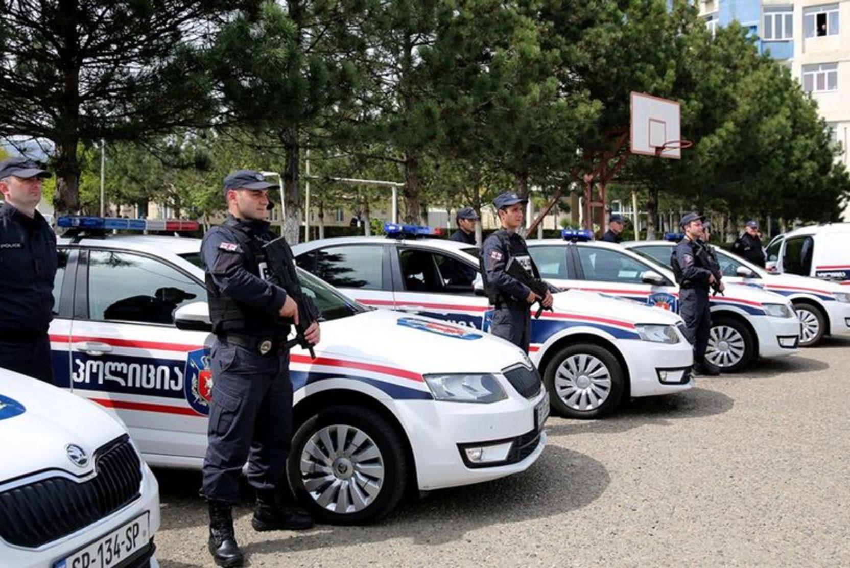 Новости за ночь: Всех заложников в Грузии освободили, захватчик банка скрылся