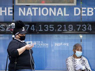 Американцы могут провести в масках и 2022-й