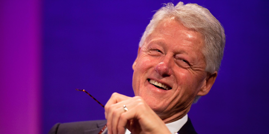 Билл Клинтон заявил о существовании неопознанных объектов в космосе