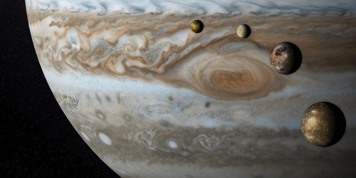 Космический зонд NASA прислал первое за 20 лет фото одного из спутников Юпитера - Ганимеда