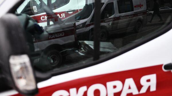 В Астраханской области микроавтобус столкнулся с легковушкой