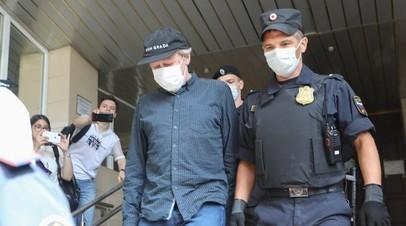Защита Ефремова попросит суд о видеотрансляции процесса над актёром
