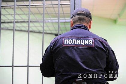 Причиной задержания ФСБ целого подразделения полиции назвали выращивание конопли