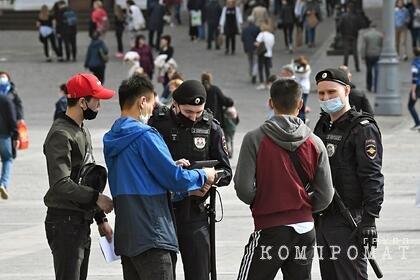 Московские полицейские начали проверку мигрантов после драки в Кузьминках