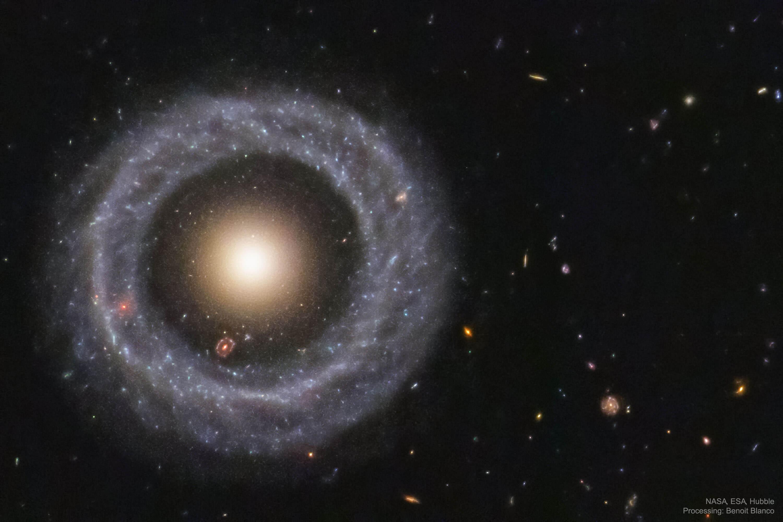 Самые странные галактики во Вселенной
