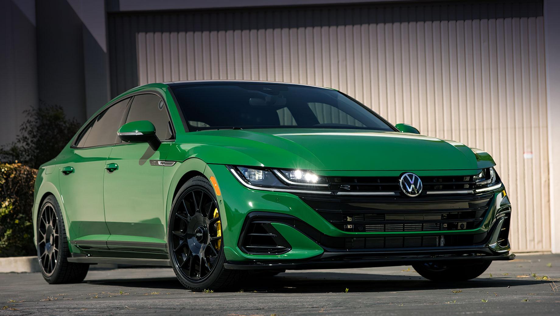 Volkswagen Arteon Big Sur Concept «оделся» в виниловую плёнку