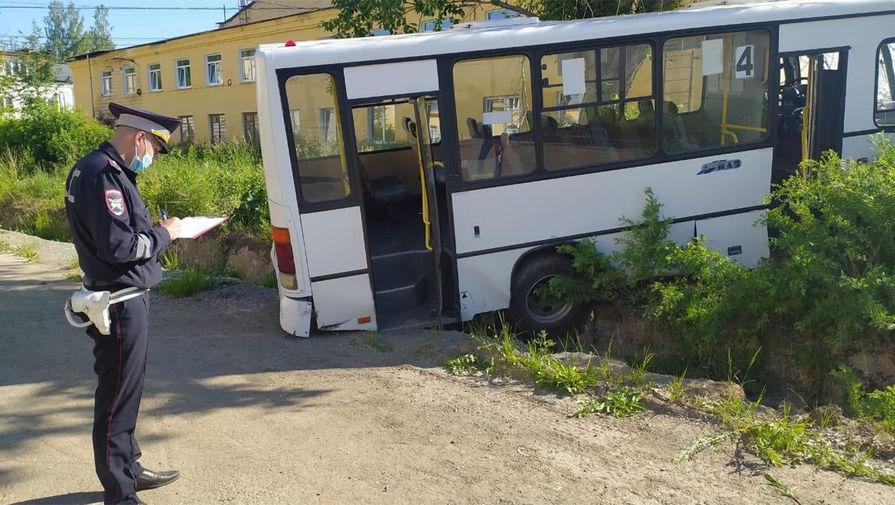Дело заведено по факту аварии с шестью погибшими в Свердловской области