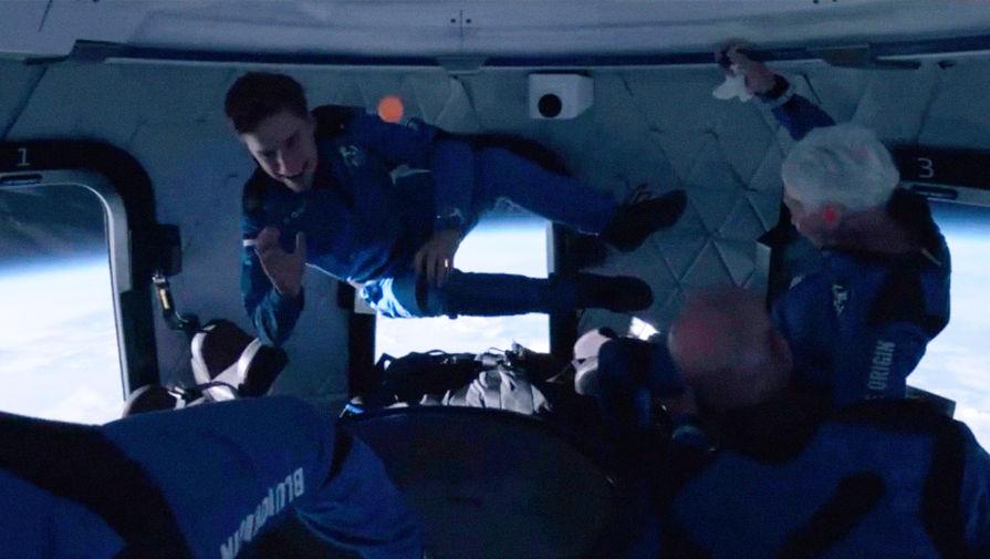 Джефф Безос опубликовал видео из капсулы New Shepard во время полета