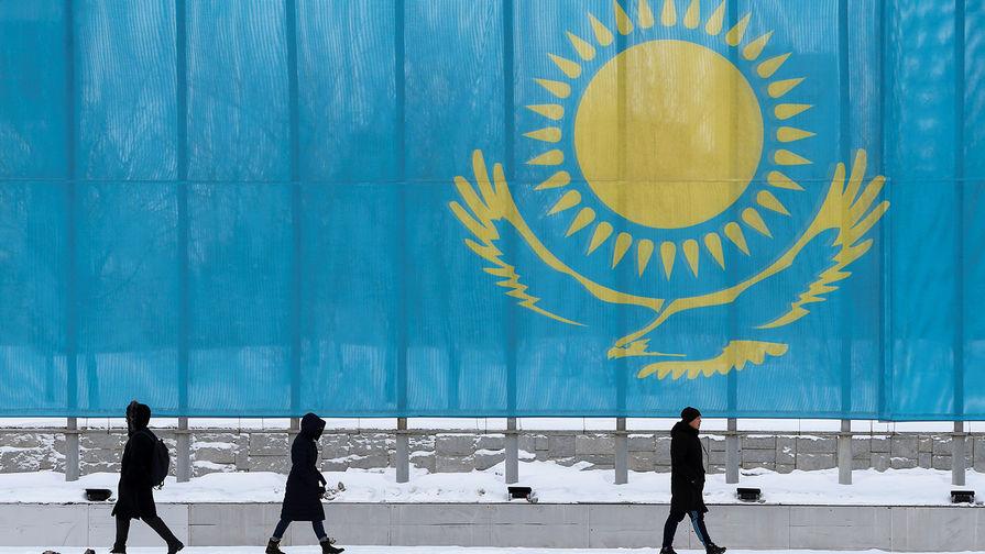 Казахстан приостановил безвизовый режим для 54 стран