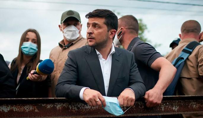 Зеленскому пригрозили уголовным делом за закон о запрете русскоязычных школ