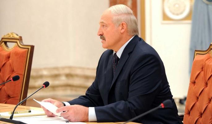 'Не дай бог довести до крайности': Лукашенко предостерегли от попытки задержаться у власти