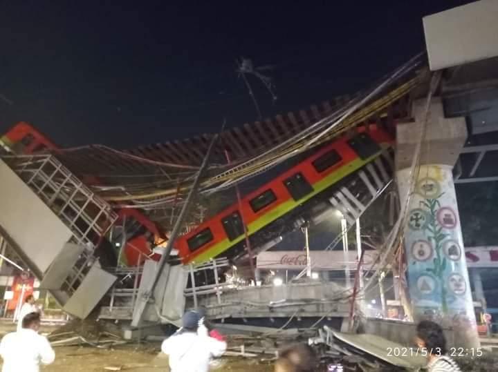 В Мехико 20 человек погибли при обрушении надземной линии метро