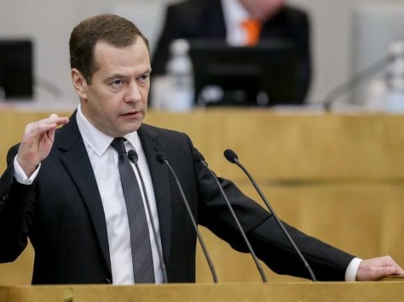 Анатомия слухов: Медведеву ищут пару