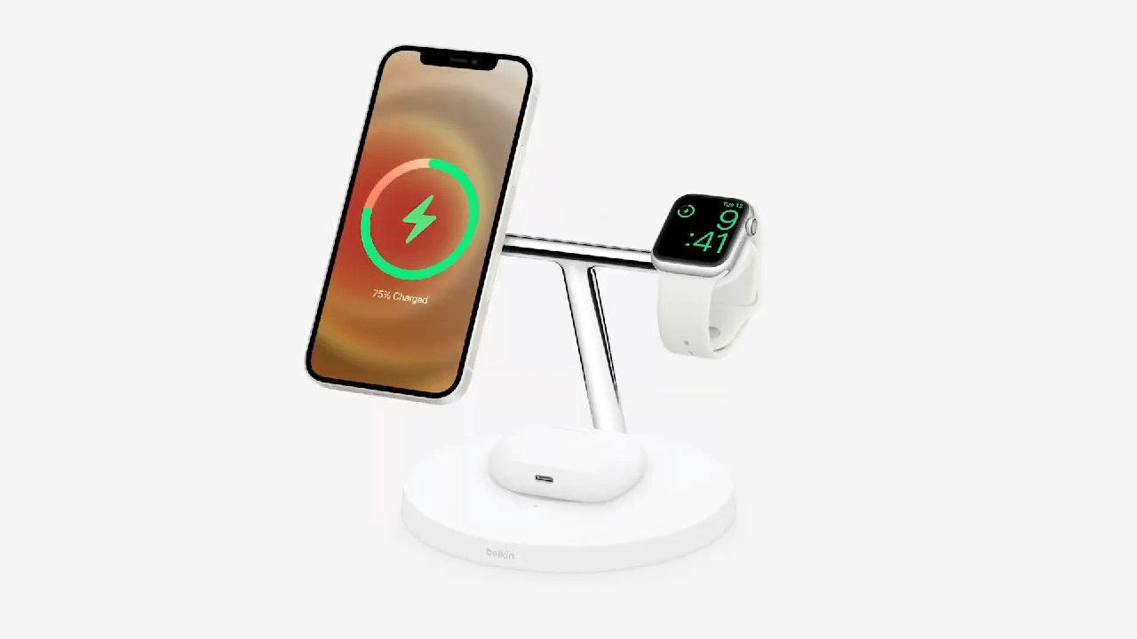 Apple представила беспроводную магнитную зарядку MagSafe для iPhone 12
