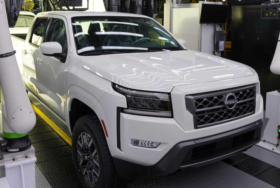 У Nissan Frontier появилась упрощенная версия