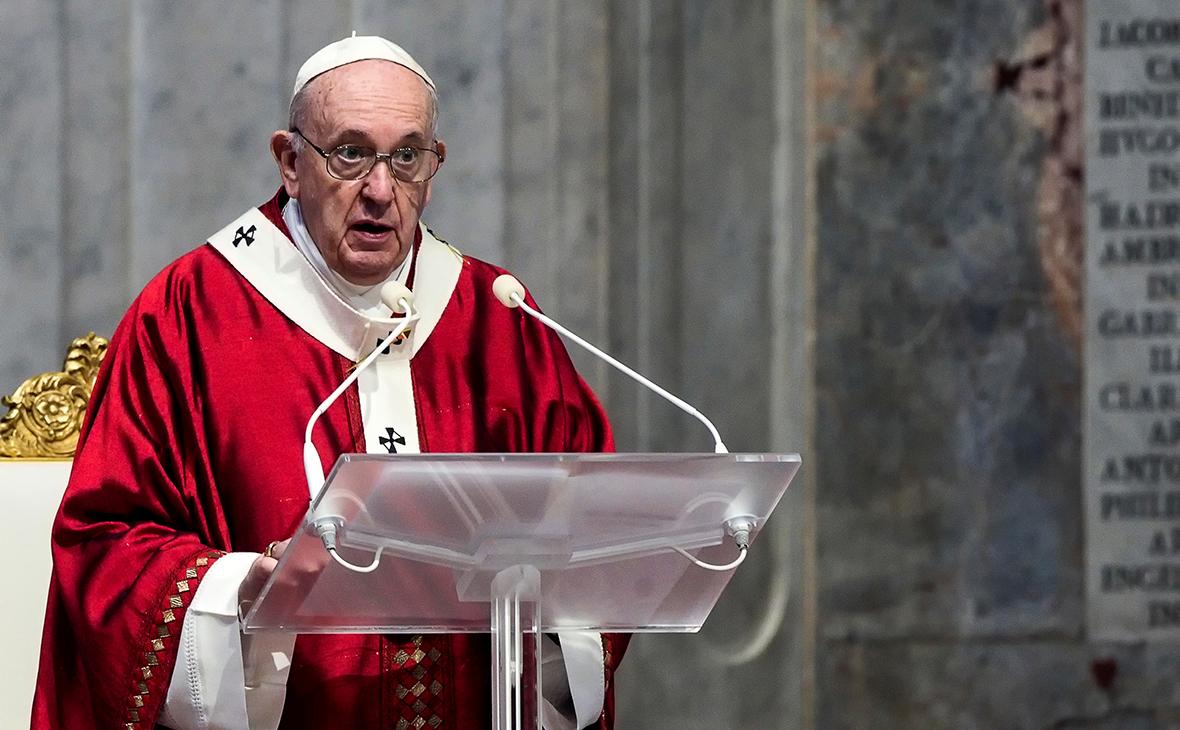 Папа римский попросил не допустить безработицы после пандемии COVID-19
