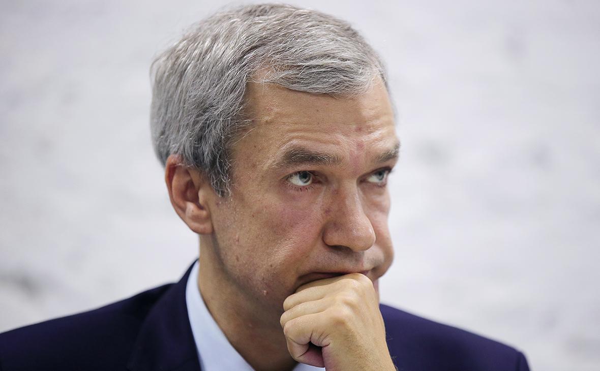 Лукашенко лишил члена совета белорусской оппозиции ранга посла