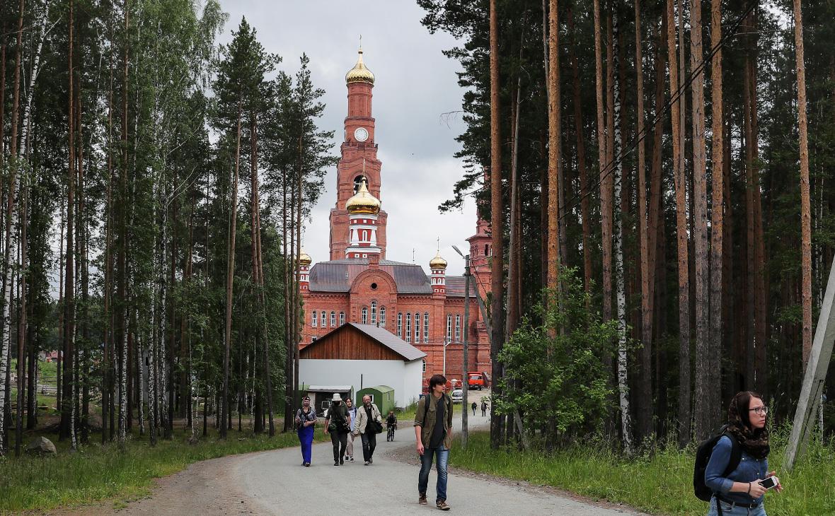 Епархия пожаловалась МВД на отказ впустить комиссию в уральский монастырь