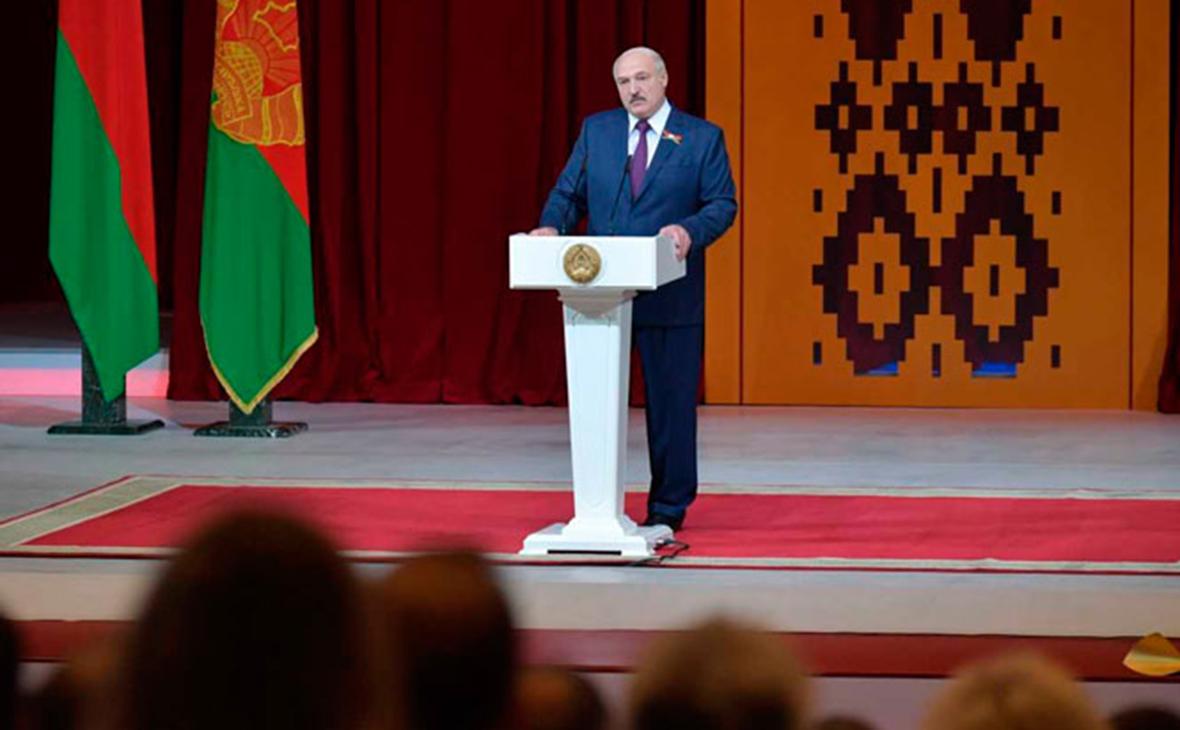 СМИ узнали о переносе послания Лукашенко к нации в преддверии выборов