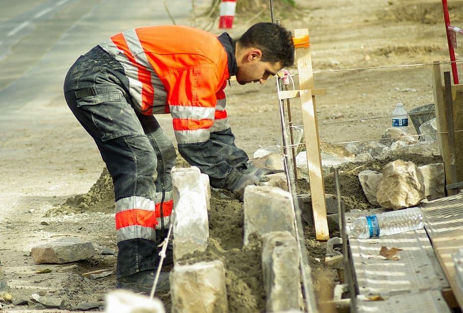 В России зафиксировали небывалый рост зарплат на стройках