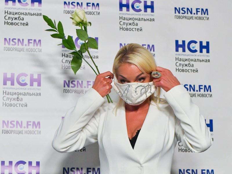 Анастасия Волочкова: 'Эти вакцины могут провоцировать впоследствии ВИЧ'